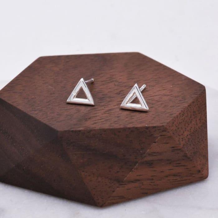 Brinco de Triangulo Vazado Prata 950 (0)